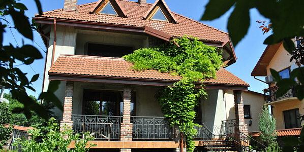 Продаж житлового будинку по вул. Тучапського