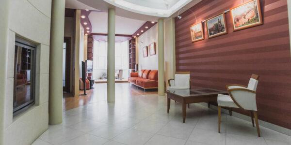 Оренда 2-кімн. квартири вул. Валова